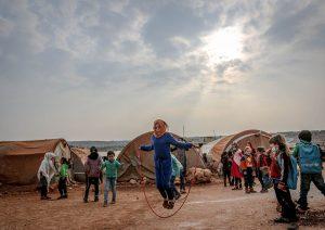 bambini in campi profughi